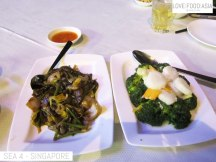 Venison (deer meat) with ginger and spring onion / Stir fried broccoli with scallops