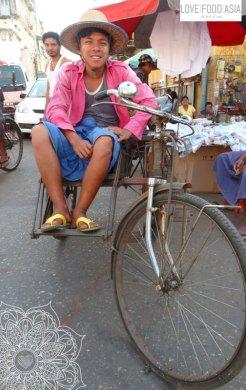 Yangon Rikscha driver