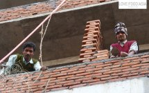 Zwei Maurer in Kathmandu