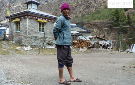 A man on the road to Chame
