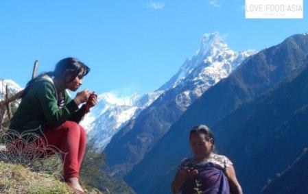Women near Chomrong