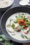 Green Thai Curry with Chicken (Gaeng Kiaw Wan Gai)
