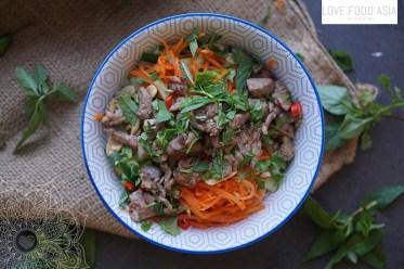 Reisnudelsalat mit mariniertem Rindfleisch