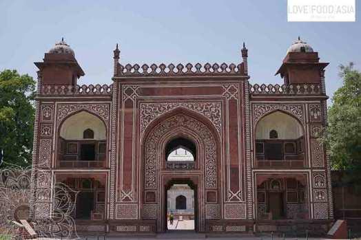 Entrance gate of Itmad-ud-Daula
