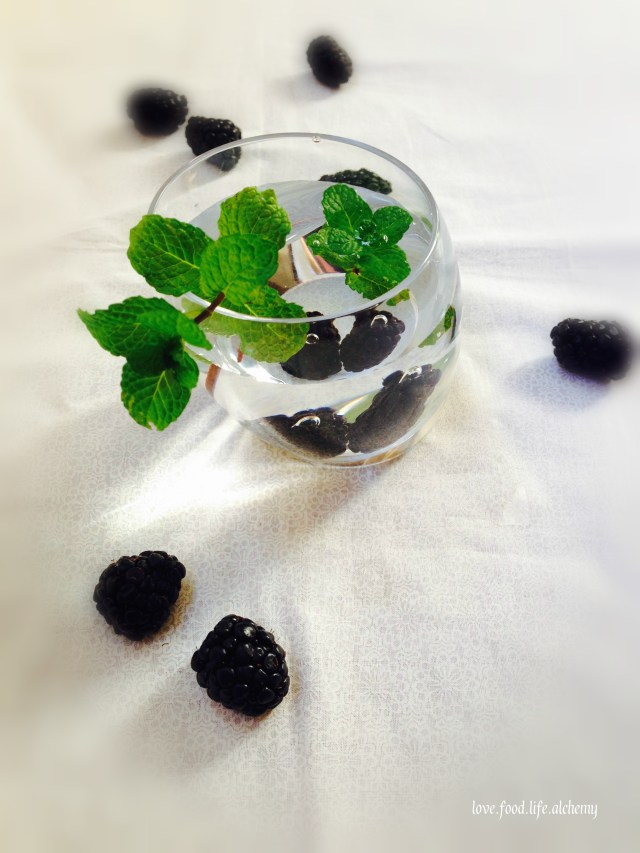 blackberry mint water detox