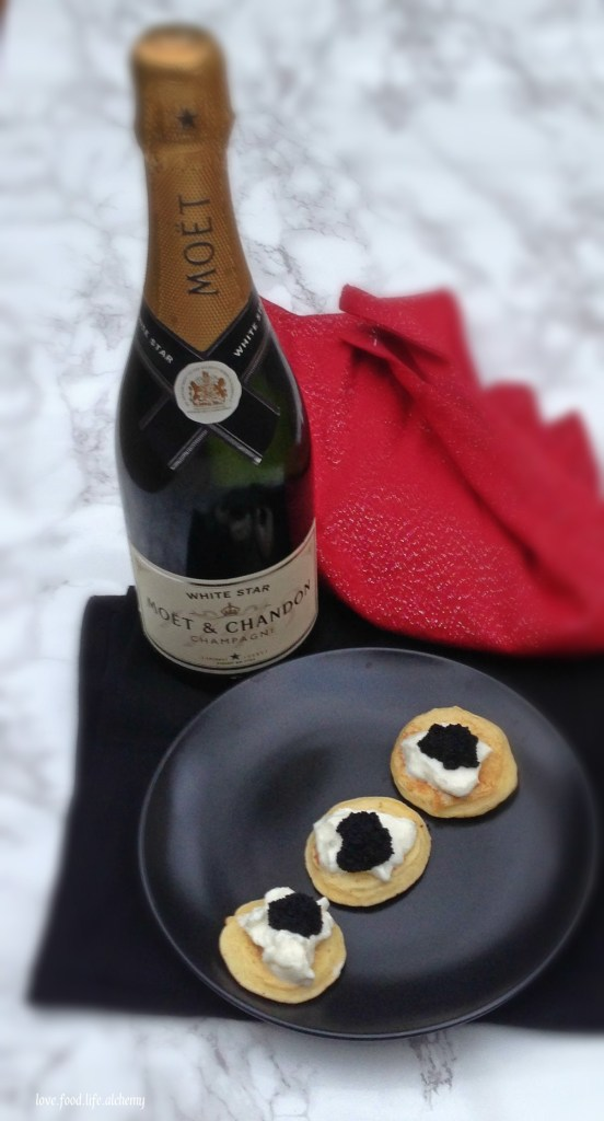 champagne-and-blini