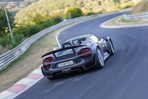 Nurburgring lap record for Porsche 918 Spyder