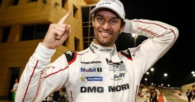Porsche Team: Mark Webber