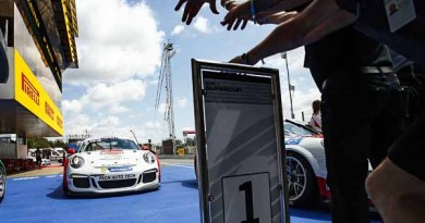 Porsche Junior Matteo Cairoli wins Porsche Mobil1 Supercup in Barcelona