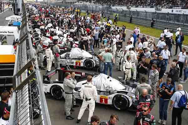 Porsche 919 Hybrid, Porsche Team 1: Timo Bernhard, Brendon Hartley, Mark Webber; Porsche Team 2: Romain Dumas, Neel Jani, Marc Lieb