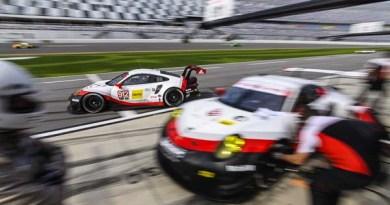 Daytona 24H 2017 Porsche 911 RSR, Porsche GT Team (912): Laurens Vanthoor, Kevin Estre, Richard Lietz