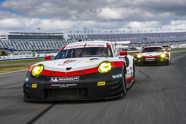 The roar before the Rolex 2 Daytona - Day 1