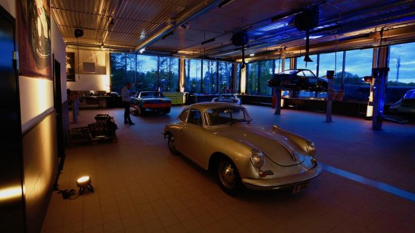 The workshop of the new Porsche Classic Center in Norway