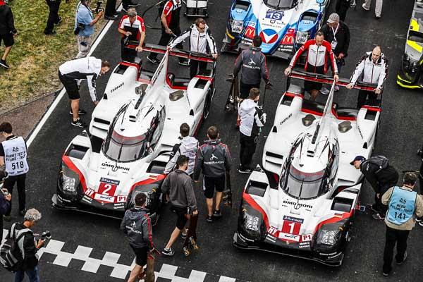Porsche LMP Team: Timo Bernhard, Earl Bamber, Brendon Hartley (Porsche 919 Hybrid #2); Neel Jani, Nick Tandy, Andre Lotterer (Porsche 919 Hybrid #1)