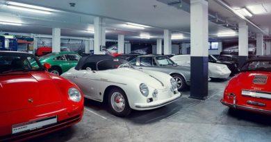 Porsche Classic supplies classic parts from a 3D printer