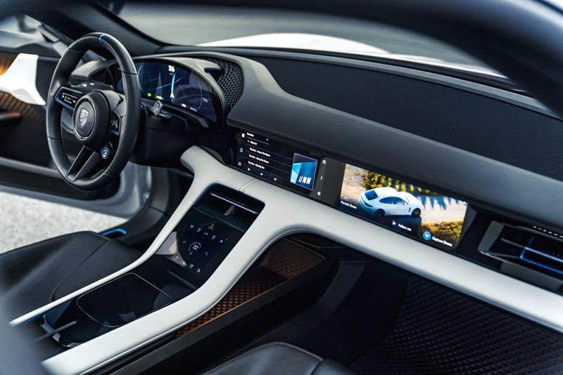 Mission E Cross Turismo Interior