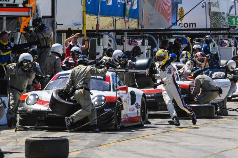 Porsche 911 RSR (912), Porsche GT Team- Earl Bamber, Laurens Vanthoor; Porsche 911 RSR (911), Porsche GT Team- Patrick Pilet, Nick Tandy