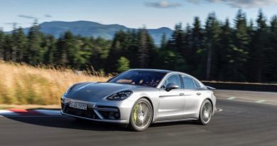 Porsche has again delivered more vehicles in the first half of the year