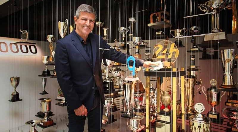 Fritz Enzinger, Vice President LMP1, with Le Mans trophy in the Porsche Museum