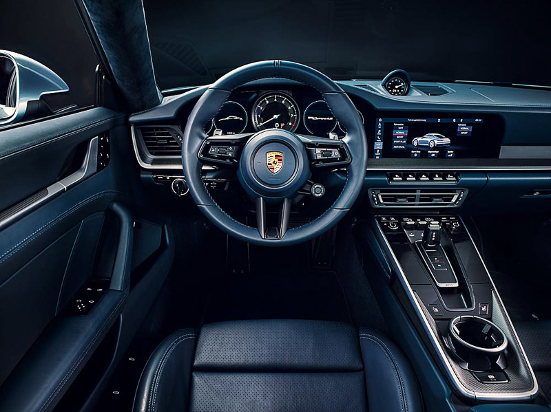 The new Porsche 911 Carrera 4S: Interior