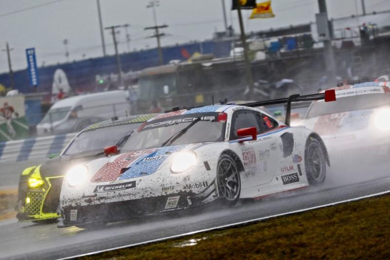 Porsche 911 RSR (912), Porsche GT Team Earl Bamber, Mathieu Jaminet, Laurens Vanthoor