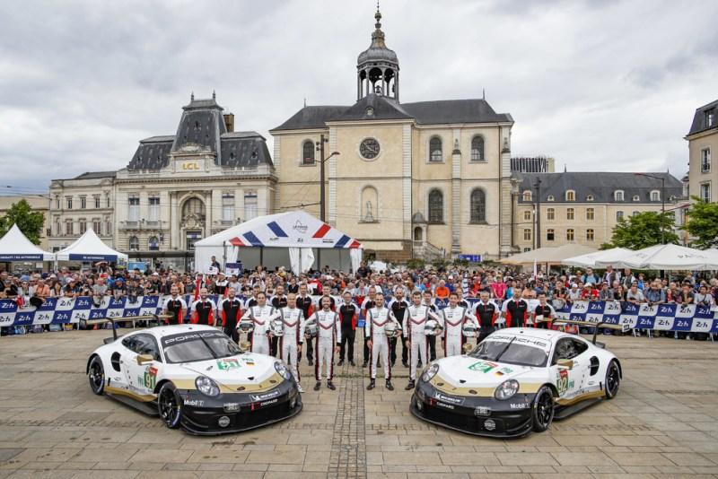 Porsche 911 RSR, Porsche GT Team (91), Gianmaria Bruni (I), Richard Lietz (A), Frederic Makowiecki (F), Porsche GT Team (92), Laurens Vanthoor (B), Michael Christensen (DK), Kevin Estre (F) (l-r)