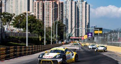 Porsche 911 GT3 R, ROWE Racing (99), Laurens Vanthoor (B), ROWE Racing (98), Earl Bamber (NZ)
