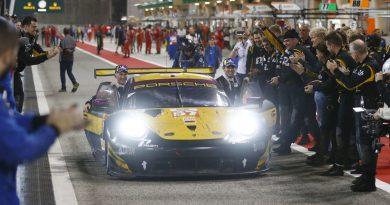 Porsche 911 RSR, Team Project 1 (57), Ben Keating (USA), Larry ten Voorde (NL), Jeroen Bleekemolen (NL) - Bahrain