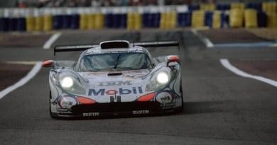 Allan McNich / Stéphane Ortelli / Uwe Alzen - Porsche 911 GT1 - 1998 Le Mans 24 Hours