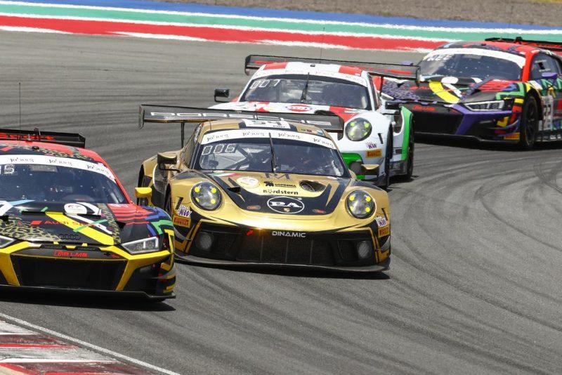 Porsche 911 GT3 R, Dinamic Motorsport (#54), Earl Bamber (NZ), Laurens Vanthoor (B), Kevin Estre (F)