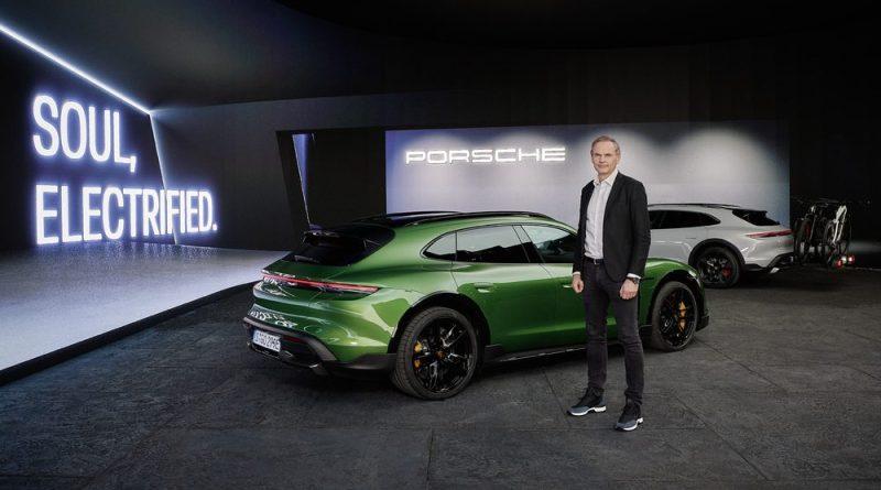 World premiere Porsche Taycan Cross Turismo