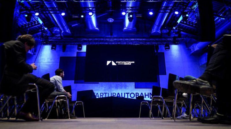 Porsche presents 3 innovative projects at startup Autobahn