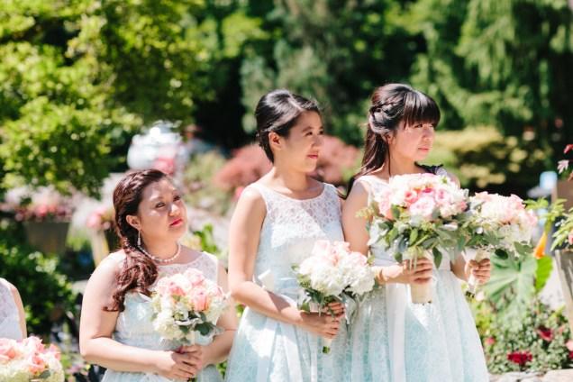 Bridesmaids in a summer day wedding