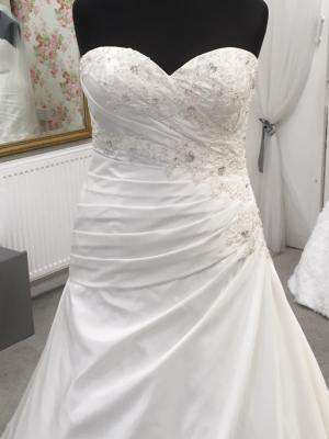 Wed2be wedding dress