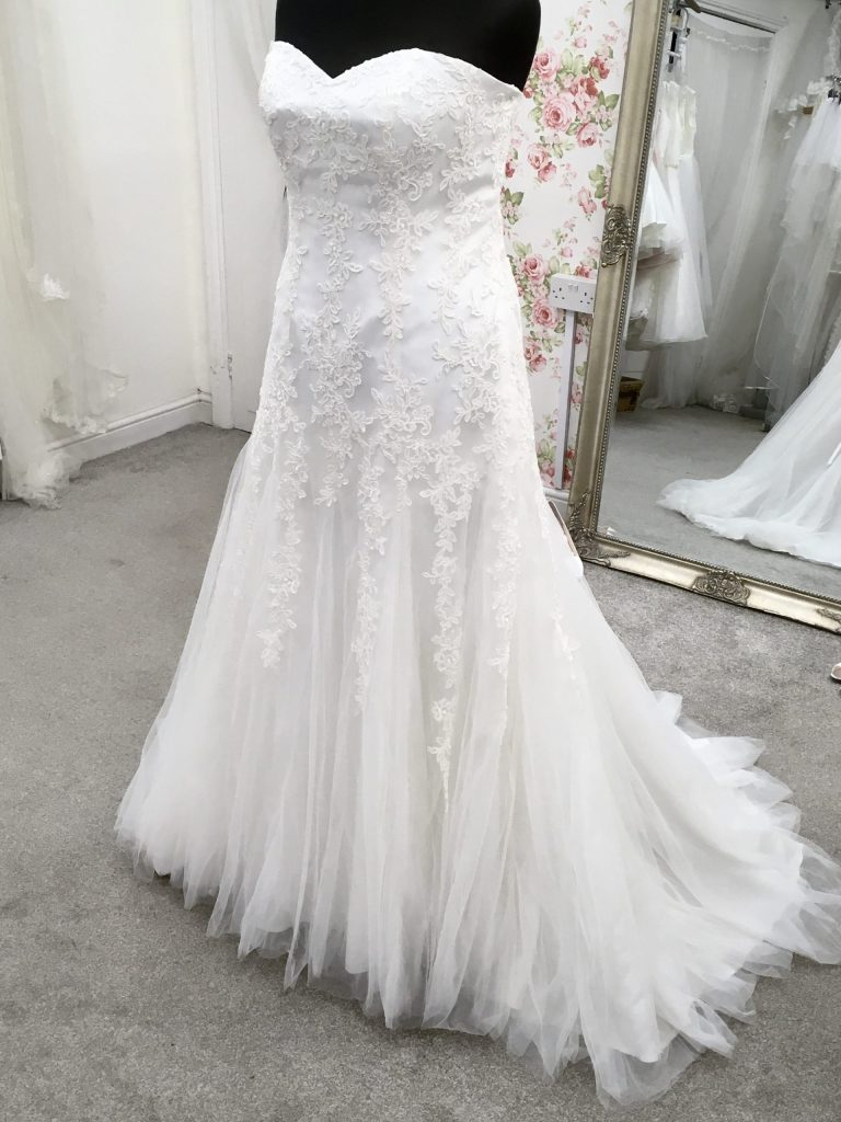 LILLY wedding dress 5