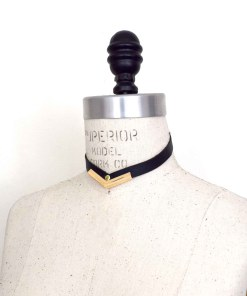 simple black leather collar