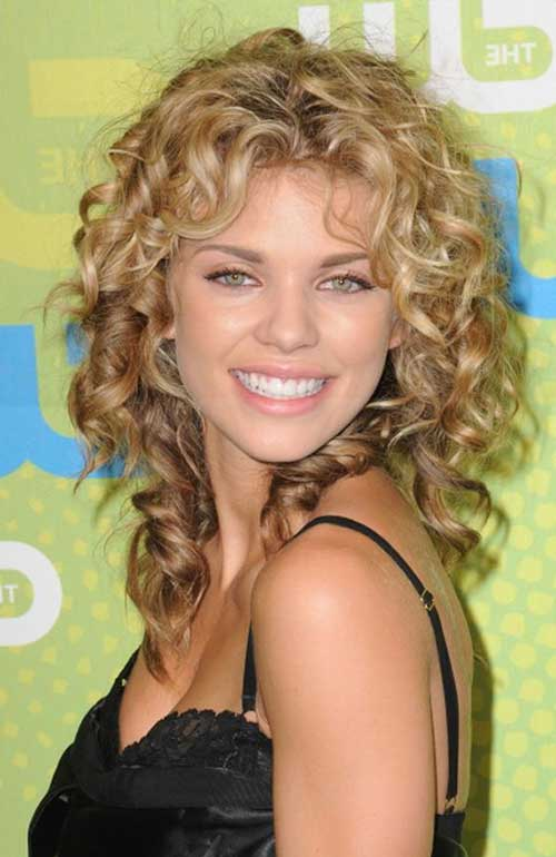 20 Long Curly Hairstyles For Round Faces Hairstyles And