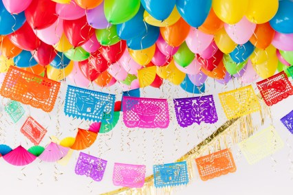 DIY Fiesta Balloon Ceiling1