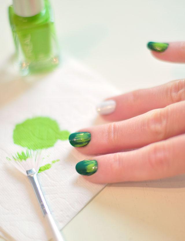 Football Season Nails Manicure 3 Using Your Nail Art