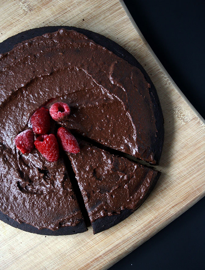 Vegan Brownie Cake with Raspberry Chocolate Frosting #sugarfree #healthy