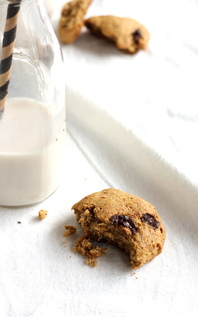 VEGAN Chunky Monkey Pillow Cookies #healthy | love me, feed me