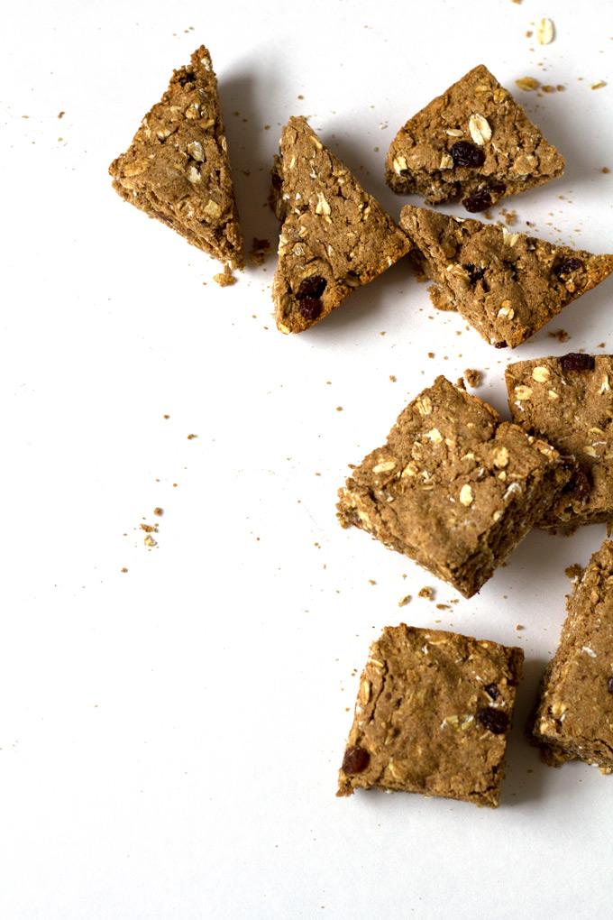 vegan oatmeal raisin cookie bars | love me, feed me
