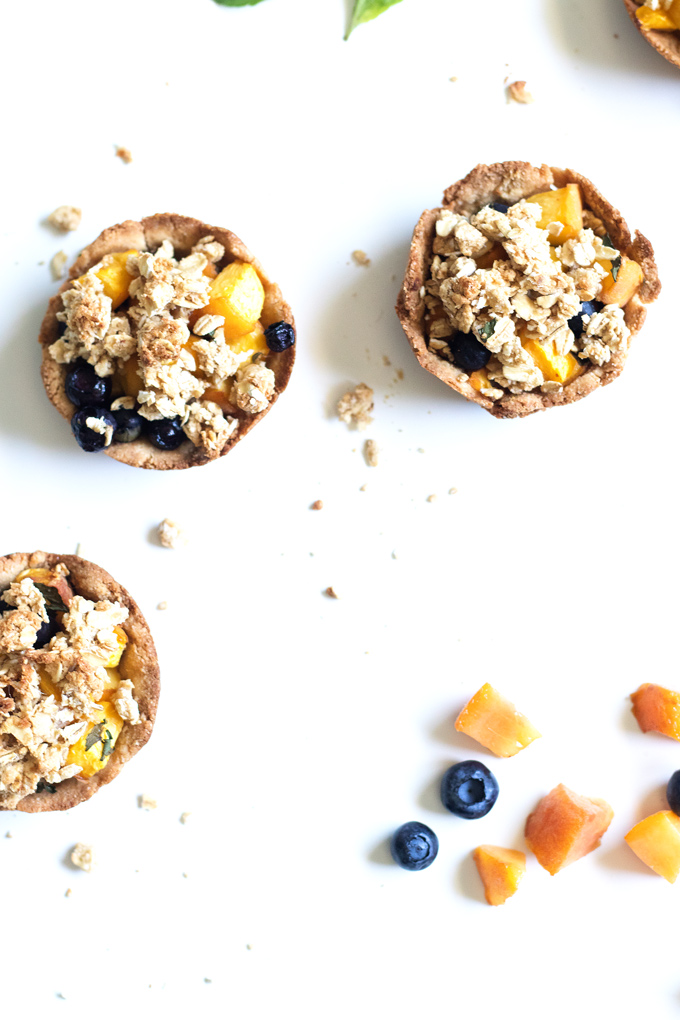 vegan mint blueberry peach crumble tarts (gluten-free) | love me, feed me