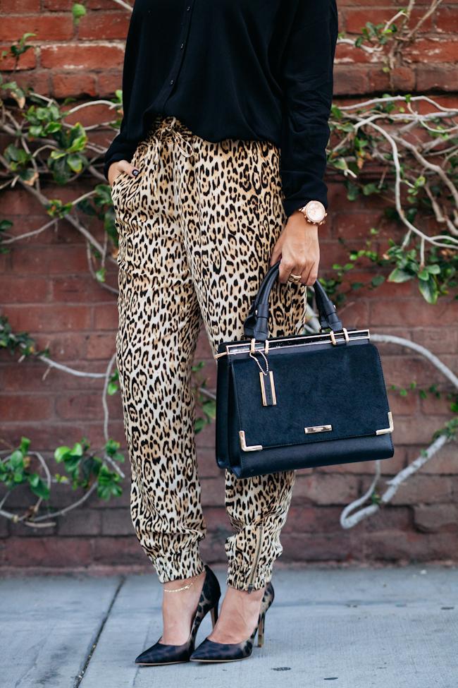 guess leopard jogger pant