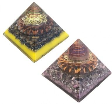 オルゴナイトのピラミッド