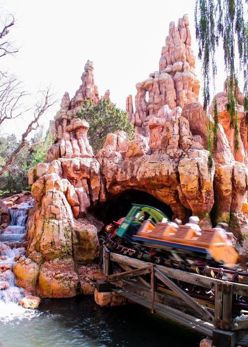 Great tips for Big ThunderMountain, plus 22 other tips for your Disneyland vacation!