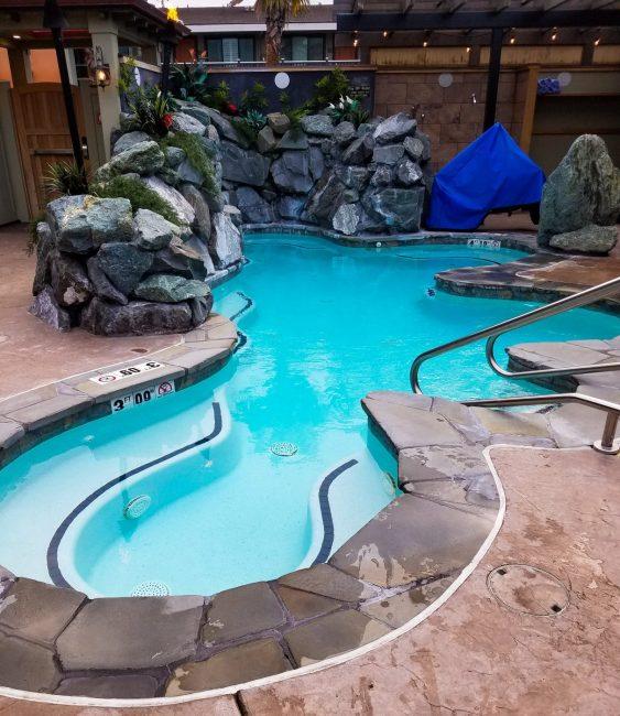 Hut tub at Best Wester Plus HUmboldt Bay Inn