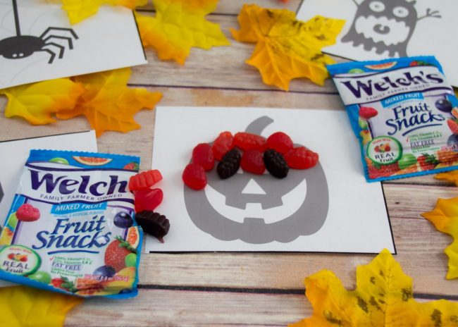 Super Easy Halloween Snack and Activity (Free Printable)