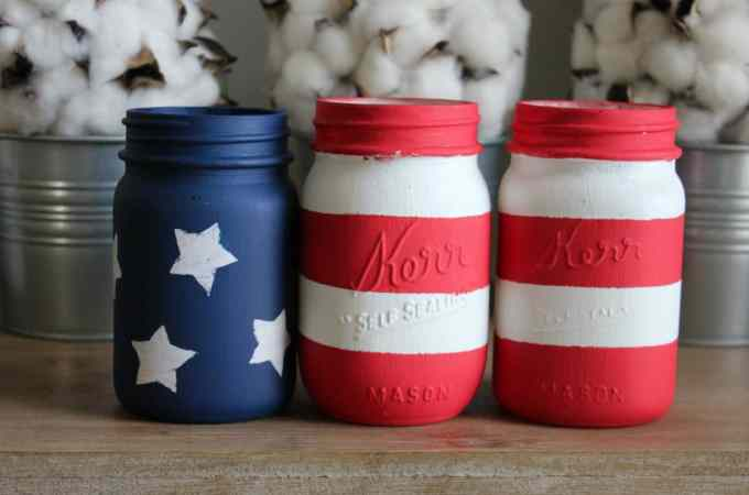 DIY 4th of July home decor, 4th of July decorations, Independence Day decor, July 4th decor, DIY 4th of July mason jars, Mason Jars American Flag