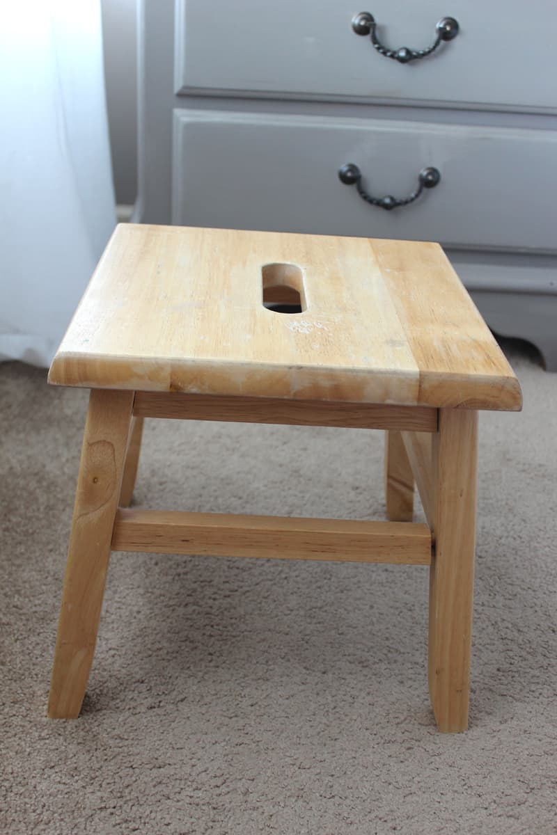 Paint a stool, Coco and wood stain, chalk paint